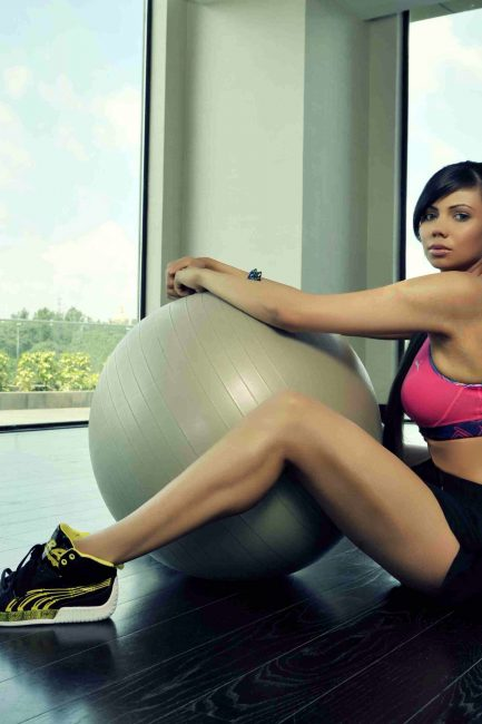 Indian Golfer Sharmila Nicollet Shares Her Fitness, Diet & Beauty Tips!