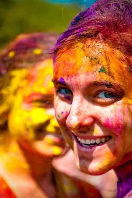 Skin & Hair Care Alerts For This Holi