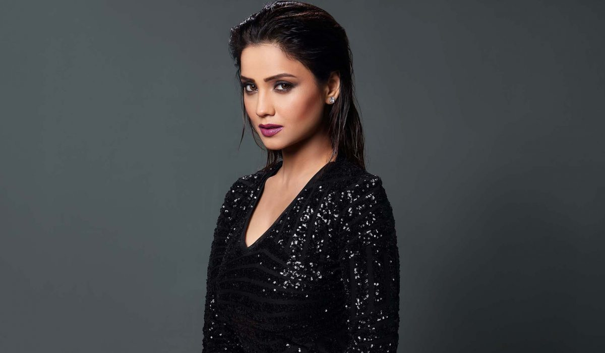 TV Actress Adaa Khan Slays It Both On-Screen And Off-Screen!