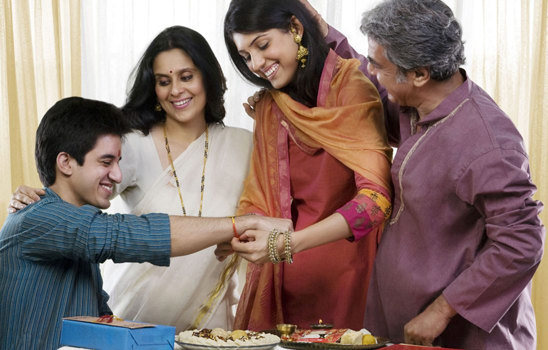 5 Gift Ideas For Your Brother This Raksha Bandhan