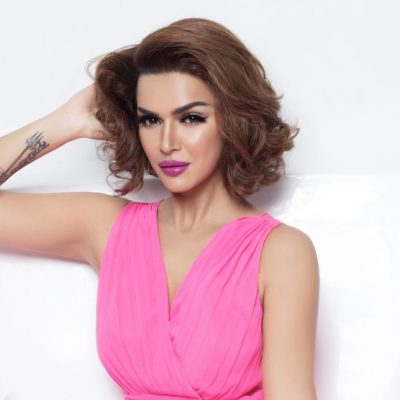 Aashka Goradia On Yoga, Love, Makeup & Lots More!