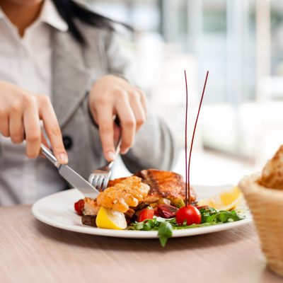 Don't Let The Menu Scare You: 5 Tips To Eating Healthier At Any Restaurant