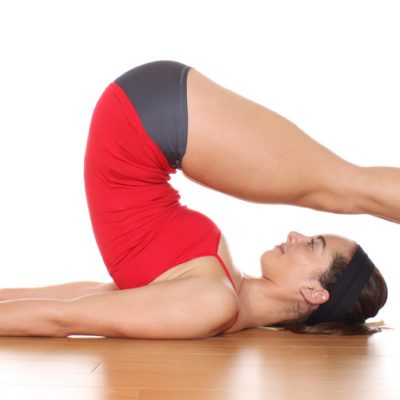 7 Hot Yoga Asanas For Quick Results