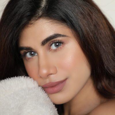 Ace Beauty Vlogger Malvika Sitlani Aryan Shares Her Digital Media Do's & Don'ts!