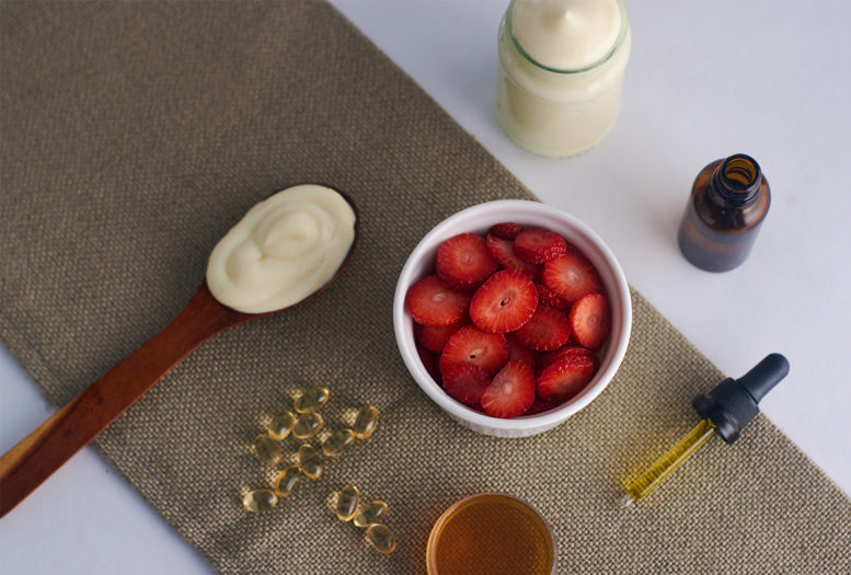 face_mask_strawberry